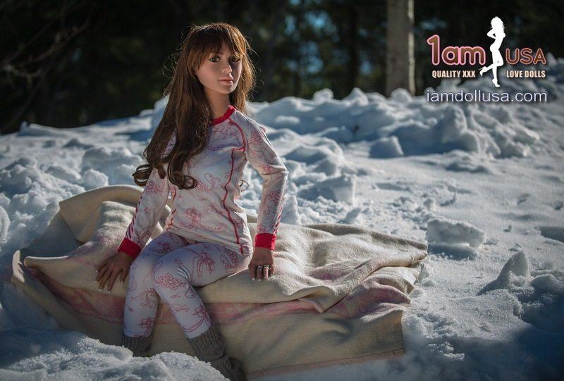 Katie-snow-002-TR
